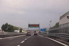 geschwindigkeit autobahn italien autofahren und strafzettel vermeiden in italien