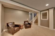 i your wall color and carpet color combination