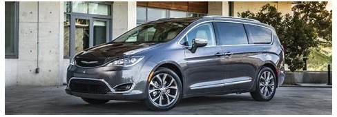 2019 Chrysler Pacifica Side House O  Stillwater Fury Motors