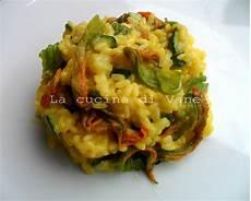 ricetta per risotto ai fiori di zucca risotto ai fiori di zucca e zafferano