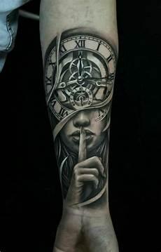 uhr unterarm arm tattoos f 252 r m 228 nner 18 ideen f 252 r oberarm und unterarm