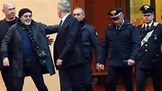 manager vasco vasco testimone in tribunale contro l ex manager