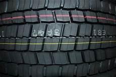 Wie Alt Darf Ein Reifen Sein Das Reifenalter Feststellen