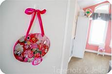 make a personalized room plaque with your child