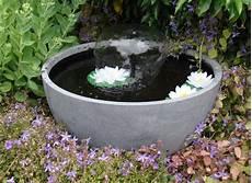 Fontaine De Jardin Ronde Avec Jet Gris Jardideco