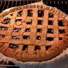 ricetta crostata di marmellata di benedetta rossi tutte le ricette crostata di marmellata fatto in casa da benedetta rossi ricetta nel 2020 crostate di