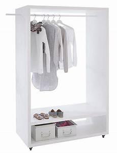 ideen für schuhregale die garderobe auf rollen aus erlenholz ist stets mobil