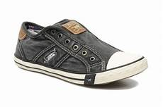 mustang shoes marco trainers in grey at sarenza co uk 115362