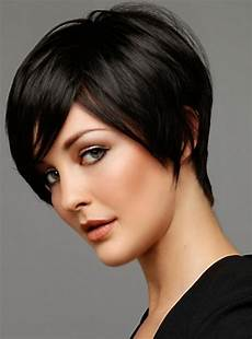 trendy short haircuts for women 2015