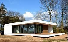 fertighaus günstig bauen cubig tinyhouse fertighaus g 252 nstiges haus autarkes haus und haus