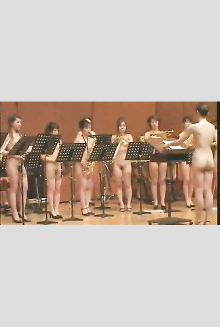 Naked Japanese girls play an orchestral concert ...