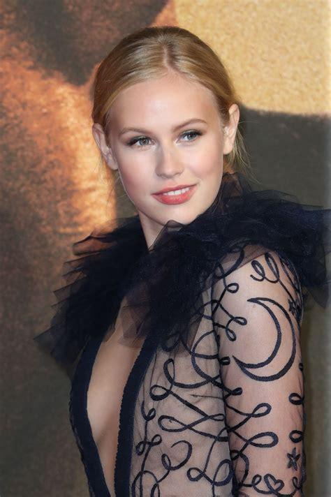 Toni Leanne Nackt
