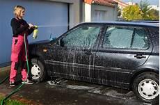 re levage voiture pourquoi il n est pas recommand 233 de laver sa voiture 192