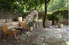 gartengestaltung mit bruchsteinen natursteinhandel m 252 nchen marmor granit tuff fliesen