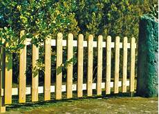 barriere jardin pas cher barriere de jardin panneau grillage rigide blanc exoteck
