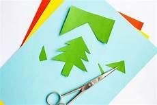 Basteln Eine Schere Mit Buntem Papier Weihnachtsbaum
