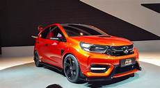 honda small rs looks like a civic type r that was shot