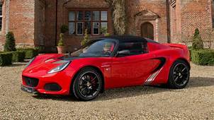 2017 Lotus Elise Sprint 220 First Drive Sprightly Charmer
