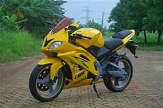 Airbrush Vixion by Yamaha Vixion Modifikasi Sporty Racing Oto Trendz