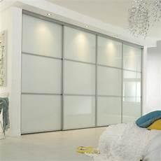 Porte Coulissante Dressing La Porte De Dressing Coulissante Garantit Un Style Moderne