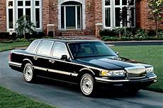 how to fix cars 1990 lincoln continental parental controls 1990 1997 lincoln town car photo consumer guide automotive 1997 lincoln town car lincoln