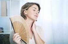 fiori di bach menopausa menopausa un aiuto dai fiori di bach e dai fiori