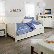 schlafzimmer weiße möbel 44 stauraum ideen f 252 r ein wohnliches zuhause