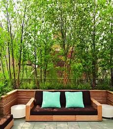 Dachterrasse Mit Gr 252 Nen Pflanzen Als Sichtschutz