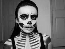 Totenkopf Schminken Frau - skull last minute look