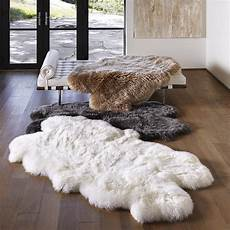 peau de mouton tapis en peau de mouton design et contemporain tapis salon