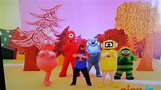 black on yo gabba gabba yo gabba gabba dancy with black