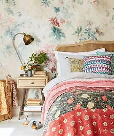 schlafzimmer tapezieren ideen bedroom wallpaper ideas bedroom wallpaper designs