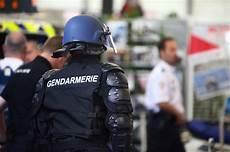 devenir gendarme reserviste devenir gendarme avec enseignement
