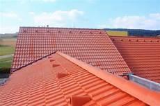 tuile beton prix tuile b 233 ton prix pose avantages et inconv 233 nients