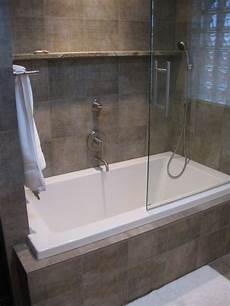 wanne dusche kombiniert wonderful small tub shower combo with glass door completed