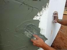 enduit parpaing extérieur comment enduire un mur abim 233 enduire un mur ext 233 rieur
