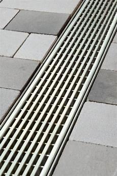 aco rinne terrasse aco drain 174 linienentw 228 sserungssysteme polymerbeton ais