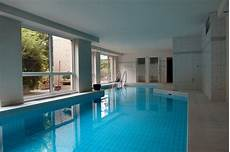 haus mit innenpool kaufen penthouse appartement dachterrasse ebk und schwimmbad im