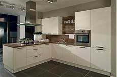 Beige Küche Welche Wandfarbe - white kitchen worktop new house white kitchen worktop