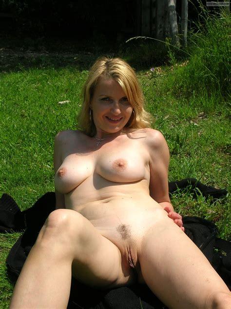 Amateur Nude Outdoor