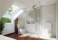 dusche unter dachschräge praktische badezimmer mit dachschr 228 ge die aktuellsten