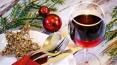 der passende wein zum essen an weihnachten evidero