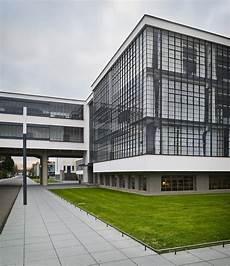 bauhaus at dessau by walter gropius 3d architectural