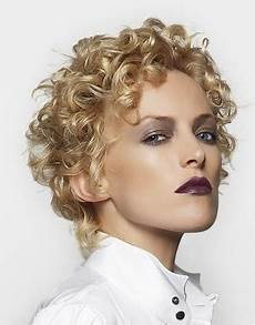 2010 short curly hair styles