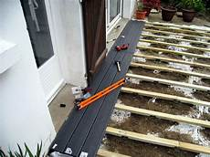 pose lame terrasse composite sur dalle beton poser une terrasse composite sur lambourdes et plots