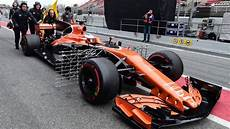 F1 Mclaren S Honda Engine Fails For Second Day In A Row