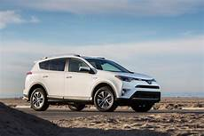 2016 Toyota Rav4 Hybrid Review And Rating Motor Trend