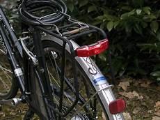 led rücklicht fahrrad axa blueline mit standlicht led r 252 cklicht fahrrad leuchte