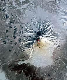 L 233 Ruption Du Plosky Tolbatchik Sous L œil Du Satellite Terra