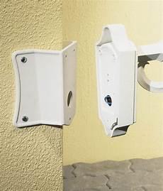 corner bracket for exterior wall fittings